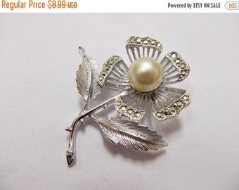 On Sale SARAH COVENTRY Rhinestone and Faux Pearl Floral Pin Item K # 2441