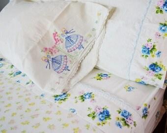vintage full bedding set: flat sheet, fitted sheet, 3 pillowcases