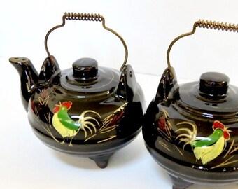 Vintage, Black Tea Kettle Salt & Pepper Shakers, Wire Handles, Redware Roosters 1950's Japan