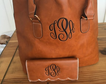 Monogrammed Scallop Edge Tote Purse and Matching Trifold Wallet