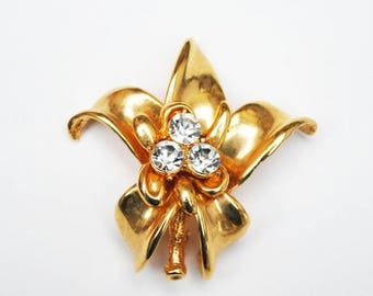 Gold rhinestone Flower Brooch - pendant  - Clear Crystal  - Floral Pin