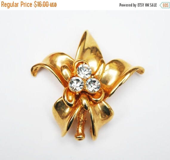 Gold rhinestone Flower Brooch - pendant  - Clear Crystal  - Floral Pin