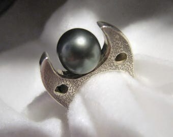 Vintage OOAK TREBESCH Gray Cultured Pearl and Sterling Ring -- Size 8.5, 16.6g, STATEMENT Ring