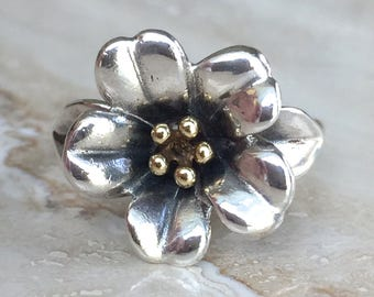 Gorgeous James Avery April Flower Ring 18k and Sterling Weighing 6.2 grams and Size 6.75