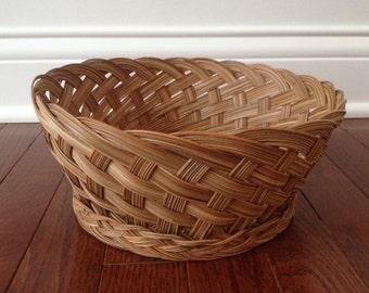 SALE / vintage woven wicker planter basket