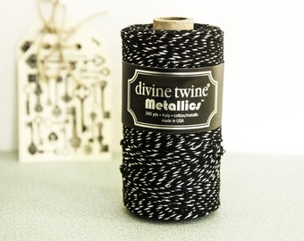 Black and Silver Divine Twine Metallics, Baker's Twine 10m (10,9 yards)