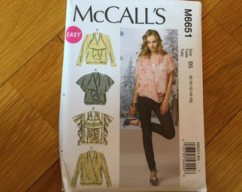 Misses top pattern for loose fitting pull over tops.  Includes 4 styles