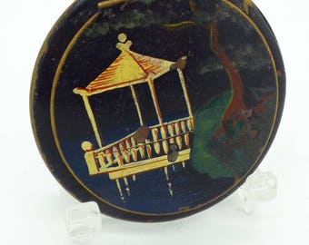 Collectable Art Deco Period Oriental Design Powder Compact