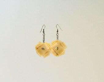 Tulle pendant earrings (medium)