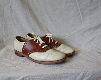 Vintage Leather Saddle Shoes / 1950s Brown Beige Oxfords / Vintage 50s Leather Oxfords / Brown Saddle Shoes Brogues 6/6.5
