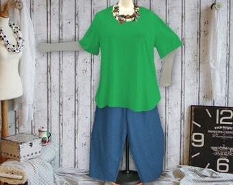 Plus sizes - US 18 - 34, UK 20 - 36, Shirt tail hem - WAVE style, jersey/cotton,green