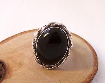 Vintage Sterling Silver Black Ring, Sterling Silver Oval Ring, Black Silver Ring, Silver Ring, Silver Twist Ring, Size N, Size 6.75