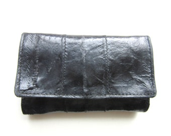 Black Eelskin Key Case Zippered Pocket Holds Six Keys