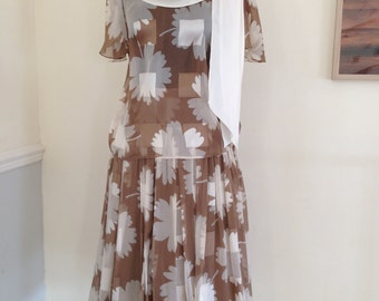 Vintage summer silk 2 piece by Valentino perfect for  summer wedding or special day smart, pretty and soft flowing silk for day or evening