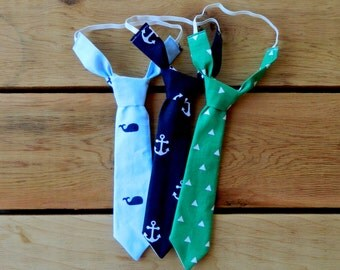 Green with White Triangles Adjustable Neck Tie or Bow-Tie: 0-18 Months, 2T-4T, 5T/6T, 7/8