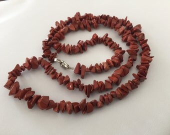 Red jasper chip necklace
