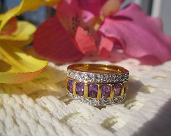 Sparkly clear & purple CRYSTAL/Rhinestones nesting double RING, stamped AVON