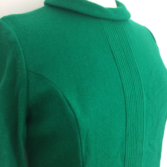 1960s Mod dress Kelly green wool shift straight cut high neck UK 14 US 10 Jackie O style Kitty Copeland scooter girl thick woolly lined