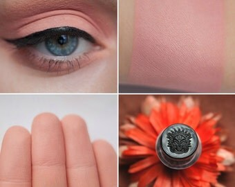 Eyeshadow: Smiling to Sun - Light Castle. Salmon matte eyeshadow by SIGIL inspired.