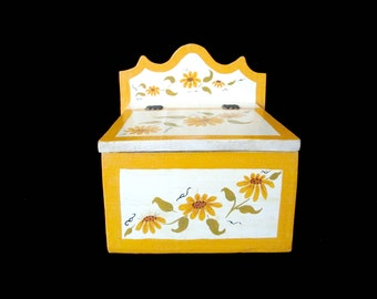 Vintage Wooden Recipe Box, Hand Painted Daisies, Large Recipe Box, Flip Top, Large Heavy, Farmhouse Cottage Decor, Kitchen Decor