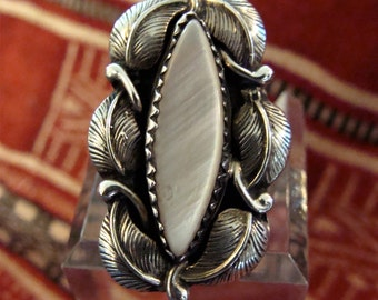 Signed Yazzie Sterling Silver Mother of Pearl Native American Ring Size 6 3/4