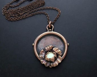 Copper necklace with copper flower and mother of pearl center, OOAK handmade necklace, copper jewelry, gift for her, long chain pendant