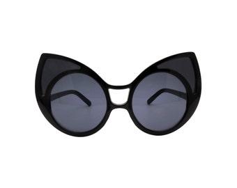 Large Oversizes Cat-eye Sunglasses with Large Points - STIB