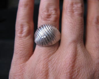 Dome ring Espo sterling shell design, estate sale jewelry, rings size 8, dented reduced