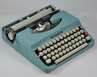 Chevron 63 Working Typewriter, Portable Typewriter, Vintage Typewriter, Blue Typewriter, Manual Typewriter, Retro Typewriter