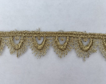 "Gold Tudor Style Small Pointed Scallop Lace for Renaissance/Elizabethan Reenactment, 5/8"" (15mm) - sold by the half yard"