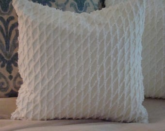"Light Cream Vintage Chenille Pillow Cover With Lattice Pattern for 18"" Pillow Insert"