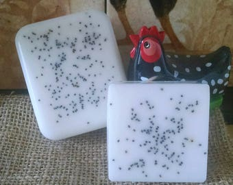 All Natural Goat Milk Soap Lemon Poopy Seed