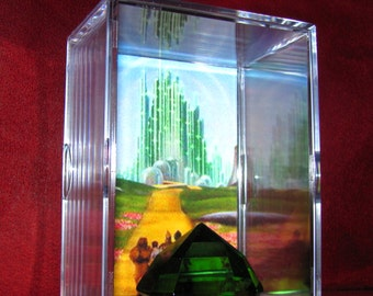 The Wizard Of Oz's *Large Emerald Display* Emerald is Made of Glass!! (This Display Is Heavy)
