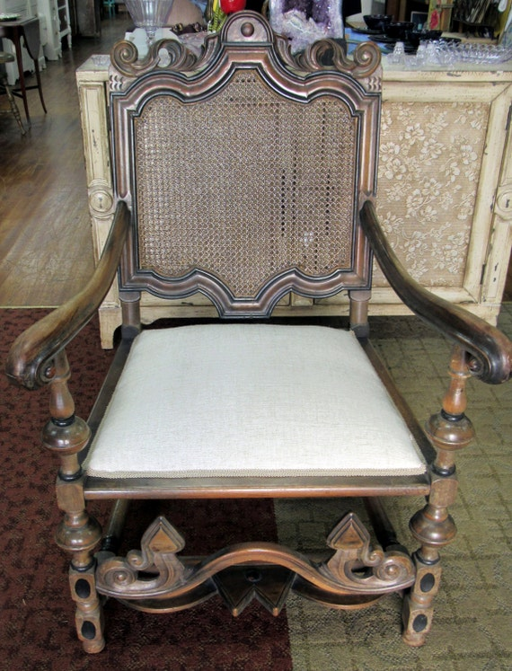 Kittinger arm chair