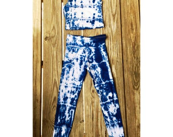 Indigo Tie Dye leggings and crop top outfit