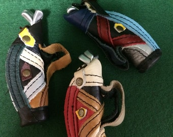 SALE*Miniature Leather golf bags w/4 clubs-VARIOUS COLORS/Dollhouse-diorama-mini