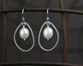 Pearl Earrings in Sterling Silver with Pebble Hoops - Dangle Earrings in Sterling Silver with Freshwater Pearls - 00295 - MADE TO ORDER