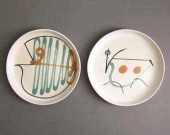 Vintage Bennington Potters Cooperative Design Vermont David Gil Art Plates - Set of 2 Fish and Bull #1240
