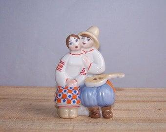 Ceramic Figurine Couple in Love. Soviet Vintage Souvenir. Ukrainian porcelain figurine. USSR made. Collectable Ukrainian boy with mandolin.