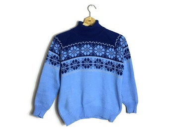70s alpine ski sweater // blue snowflake jumper  // vintage snowflake sweater // retro xmas jumper // 70s ski jumper with a roll neck