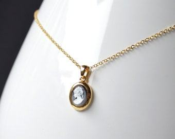 cameo gold necklace