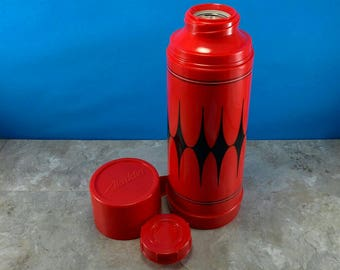 Vintage Red Aladdin Diamond Thermos - Plastic with Cap - Great Condition