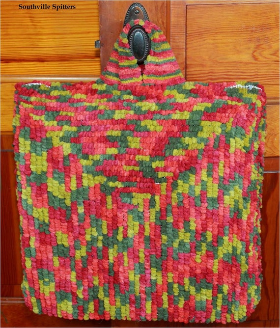 Locker Hooked Tote Bag In Red And Green