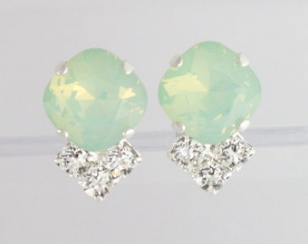 Bridesmaid earrings,mint green wedding,mint wedding jewelry,swarovski,swarovski mint,chrysolite opal,square earrings,mint green bridesmaid