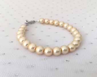 Cream Pearl Bridal Bracelet, Cream Wedding Bridal Jewelry, Bridesmaid Jewelry Gift, Cream Wedding Bracelet, Mother of the Bride Jewelry