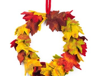 Autumnal Wreath - Felt Garland - Felted decorations - Autumn leaf decoration - Wedding Decoration - Halloween - Handmade