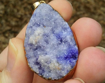 Crystal quartz druzy geode blue pendant necklace.