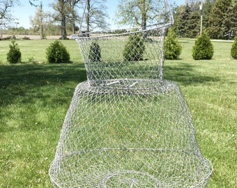 Vintage Mesh Live Fishing Well|Large Collapsable Fishing Well|Nautical Rustic Decor