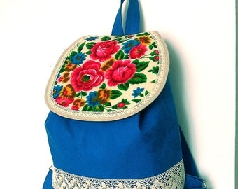 Handmade woman backpack - Handmade fabric backpack - Backpack with flowers and lace - Drowstring backpack with lace