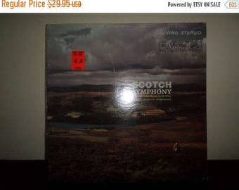 Save 30% Today Vintage 1961 Vinyl LP Record  Mendelssohn Charles Munch Conducting Boston Symphony Orchestra Near Mint 7794